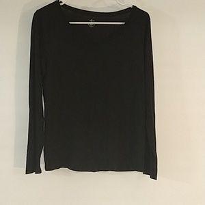 Ann Taylor Loft- Black long sleeved T (132)